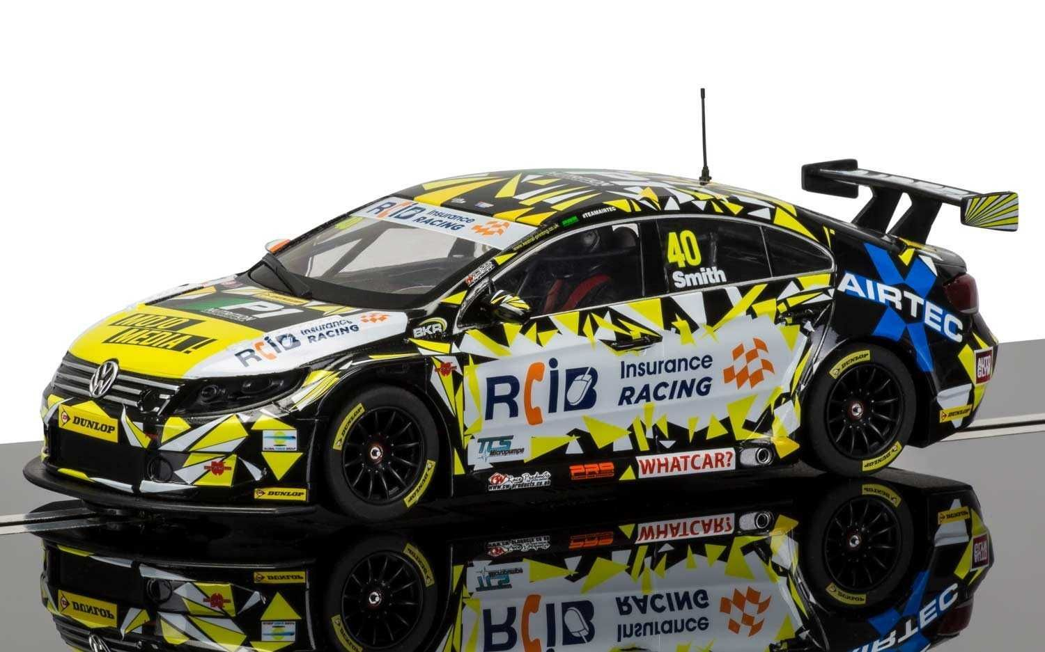 Autíčko Circuit SCALEXTRIC C3864 - BTCC VW Passat, Aron Smith (1:32)
